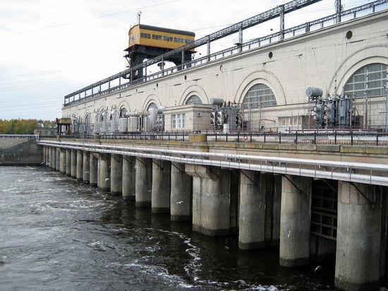 Стало известно об угрозе прорыва Горьковской плотины