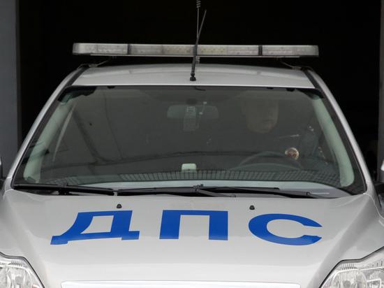 Приковал мать наручниками: подробности побега московских подростков в США