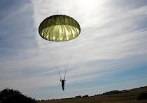 Житель Ленобласти едва не погиб во время прыжка с парашютом