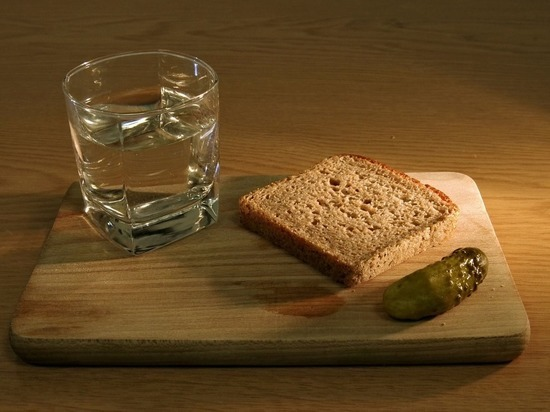 Эксперт оценил подорожание водки: многие «давно пьют нелегальный алкоголь»