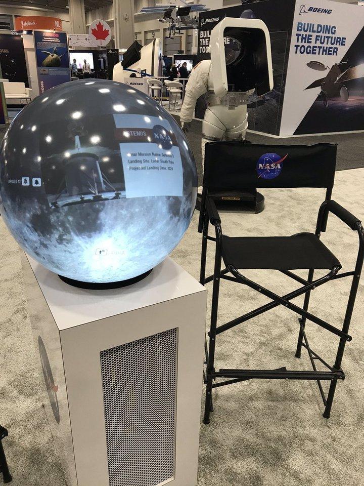 На астронавтическом конгрессе американцы показали «Голубую луну»