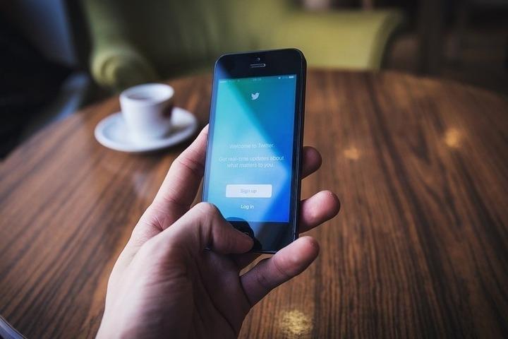 Twitter работает над новой политикой противодействия сфабрикованным новостям