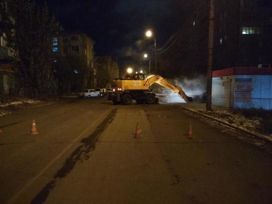 С утра в Ленинском районе прорвало водопровод