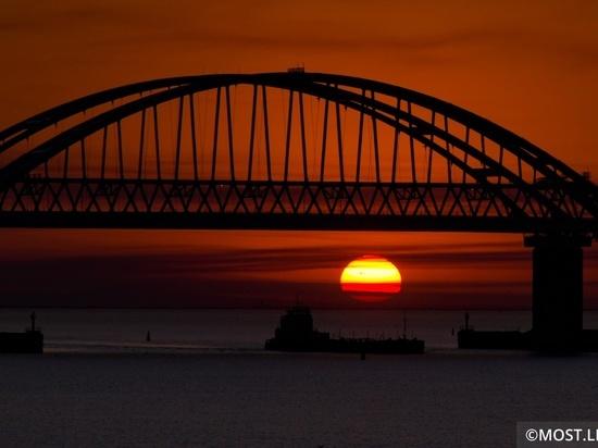 Украинский эксперт озвучил новую версию обрушения Крымского моста
