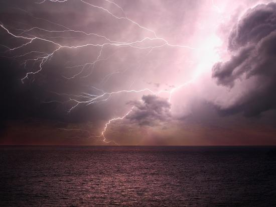 Российский ледокол терпит бедствие у берегов Норвегии