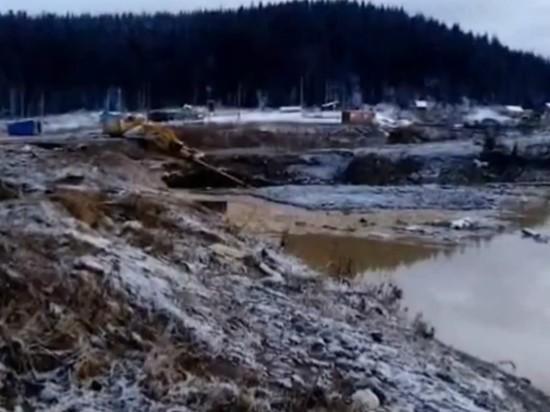 Пропавшее при прорыве дамбы под Красноярском золото нашлось