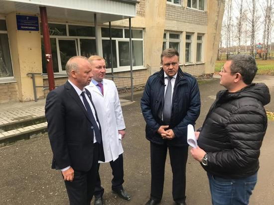Любимов посетил больницу, на которую пожаловались старожиловцы