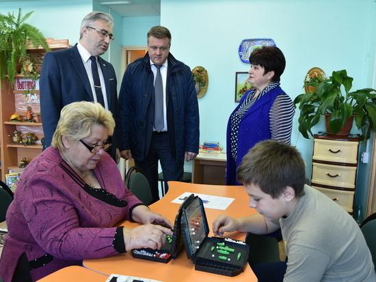 Любимов осмотрел сельский ДК, отремонтированный в рамках нацпроекта