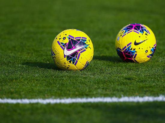 РПЛ представила новые мячи для игр осенью и зимой