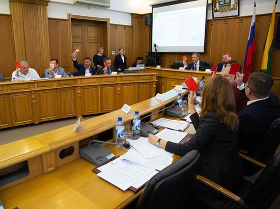 «Обеспеченные должны платить больше»: администрация Екатеринбурга увеличивает ставки налога на имущество
