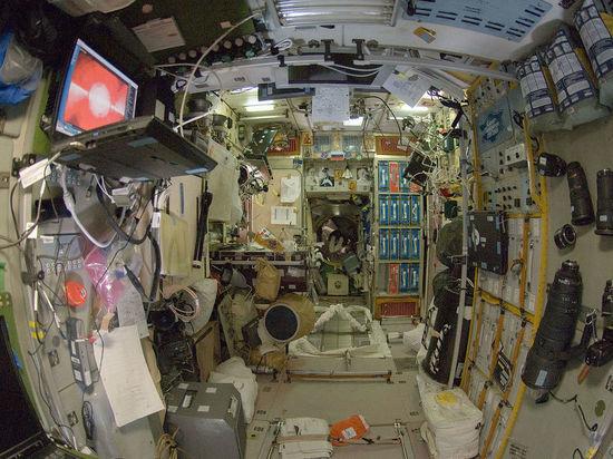 Российские и американские космонавты сядут за один стол из-за сломанного чайника