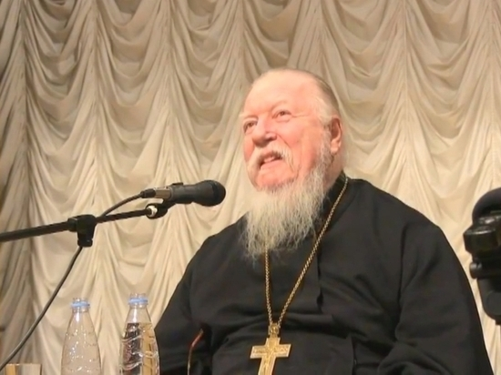 """Протоиерей Смирнов прокоментировал реалити-шоу в монастыре: """"В странное время живем"""""""