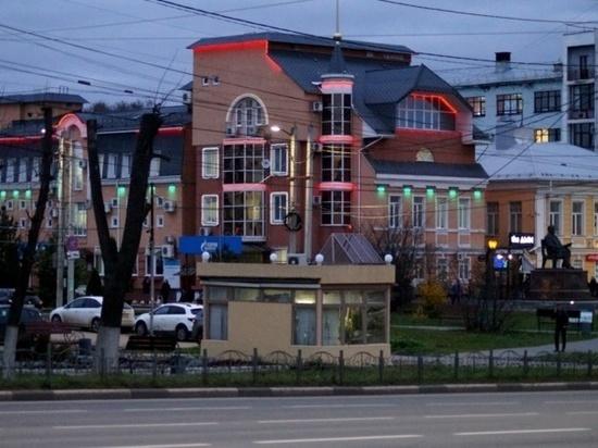 Вчера, 22 октября специалисты городской администрации осмотрели здания на предмет соответствия дизайн-коду в вечернее время