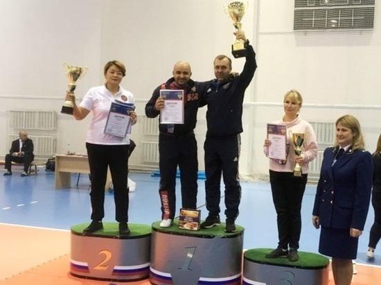 Соревнования на призы прокурора Калужской области, в которых приняли участие ивановские спортсмены, носили название «Правильный путь» и собрали свыше двухсот пятидесяти бойцов