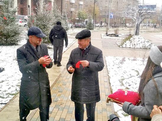 Частный застройщик передал Новосибирску новый сквер на месте сада начала XX века
