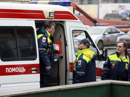 В Петербурге автомобиль вылетел на тротуар и сбил семь человек