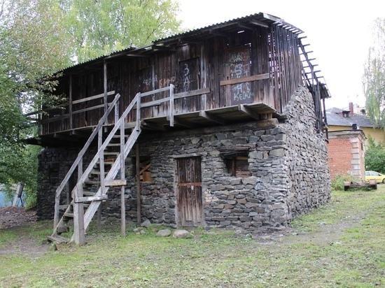 Раскрыта тайна каменных петрозаводских сараев