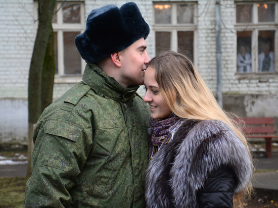 Дан приказ ему на запад: в Тверской области начался осенний призыв