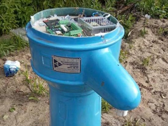 Вода по карточкам: островитяне Бревенника ополчились на платные водозаборные колонки