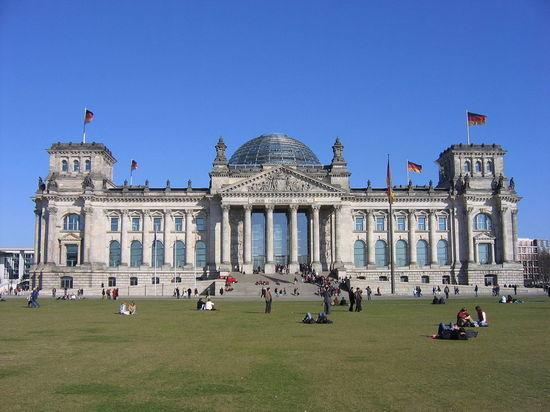 Власти Германии отклонили предложение отменить санкции противРФ