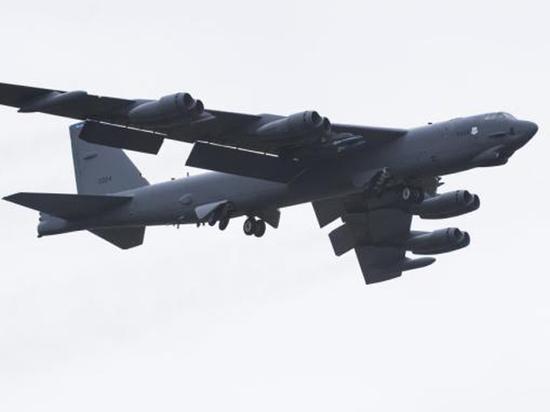 В действиях США вблизи Крыма увидели «отработку нанесения ядерных ударов»