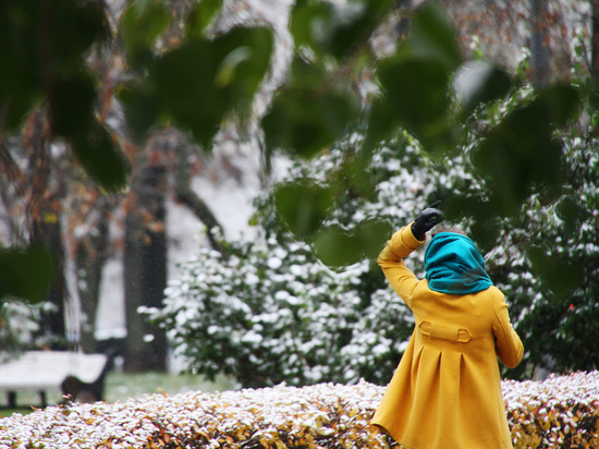 Выходные обещают быть рекордно теплыми, но в середине следующей недели наступит настоящая осень