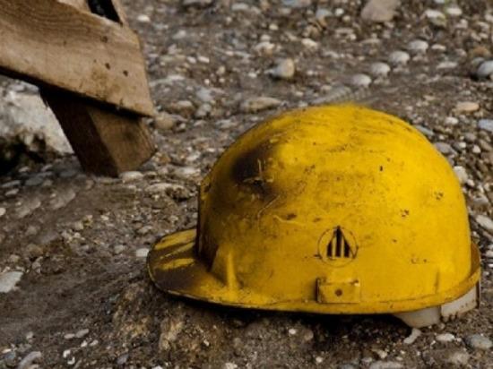 Упавшая с высоты облицовочная плитка убила рабочего в Чебоксарах