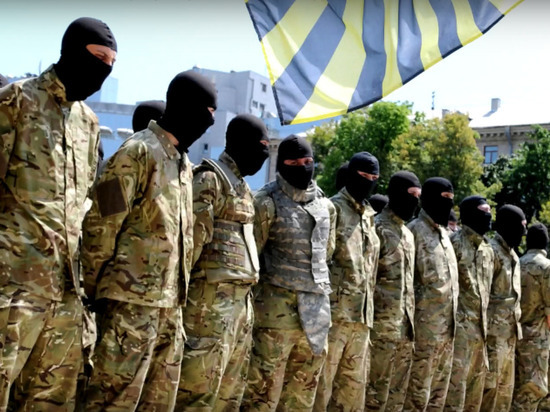 Лидер нацбатальона «Азов» пригрозил Зеленскому десятками тысяч боевиков