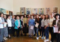 Эстафета поколений: В Ялте открылась художественная выставка