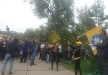 Многотысячный сход граждан Калмыкии потребовал роспуска депутатов Элисты