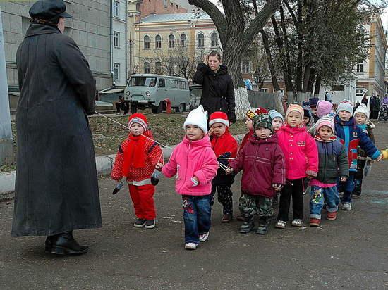 Маленькие саратовцы из многодетных семей  получат право ходить в один детский сад