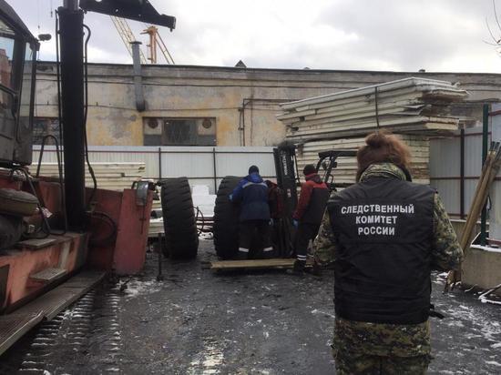 После гибели рабочих от взрыва колеса на заводе возбудили уголовное дело