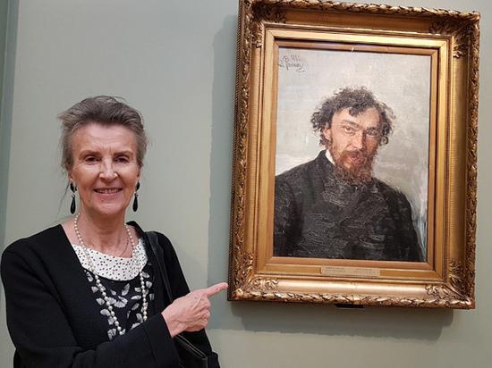 Выставку Ивана Похитонова открыла его швейцарская правнучка Аллегра