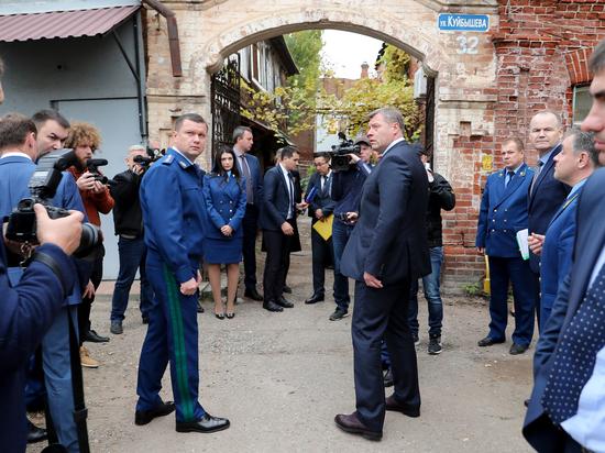 «Мы живем в сырости»: в Астрахань вновь приехал замгенпрокурора