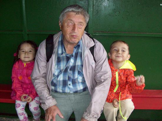 Незрячий отец учил свою дочь читать и влюблял ее в литературу