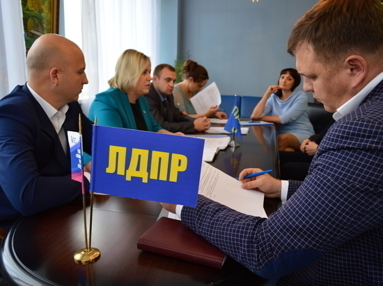 Депутат помог оренбуржцам с жильем