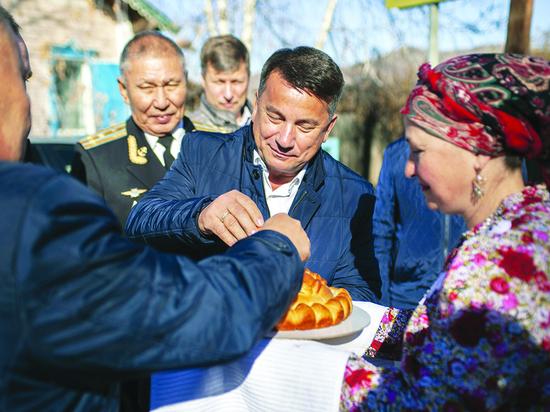 Депутаты парламента Бурятии открыли после ремонта школу, где когда-то был штаб Рокоссовского