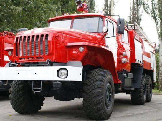 В Абакане пожарные тушили грузовик