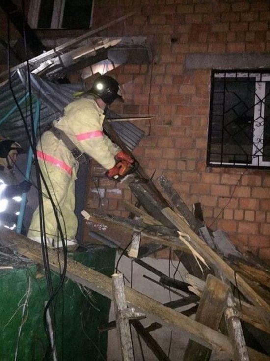 В Тулуне ветер сорвал крышу с пятиэтажки