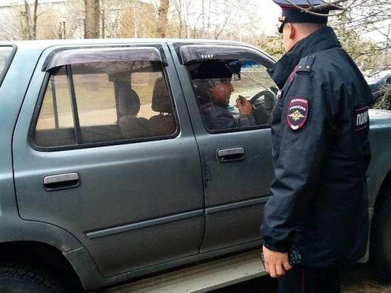 Автомобилисты портят новую аллею на Георгия Исакова в Барнауле