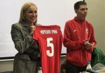 """Во Львове жена одного из украинских футболистов, играющих в турецкой лиге, возглавила местную любительскую команду. По такому случаю """"МК-Спорт"""" вспоминает самых известных женщин, возглавлявших футбольные клубы, и восхищается их своеобразием."""