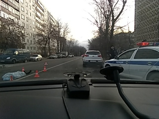 Устанавливается личность погибшего в центре Калуги пешехода