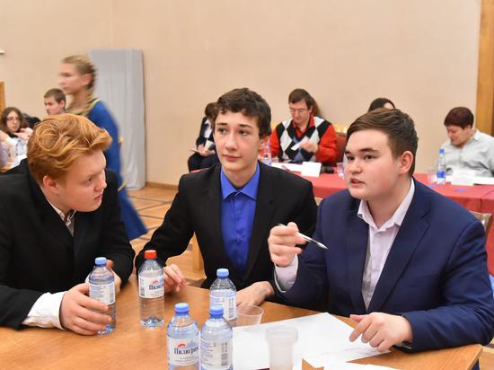 В Челябинске стартовала серия интеллектуальных игр «Брейн-ринг»