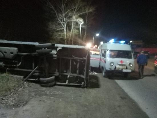 Шесть пожаров и серьезное ДТП ликвидировали тульские спасатели