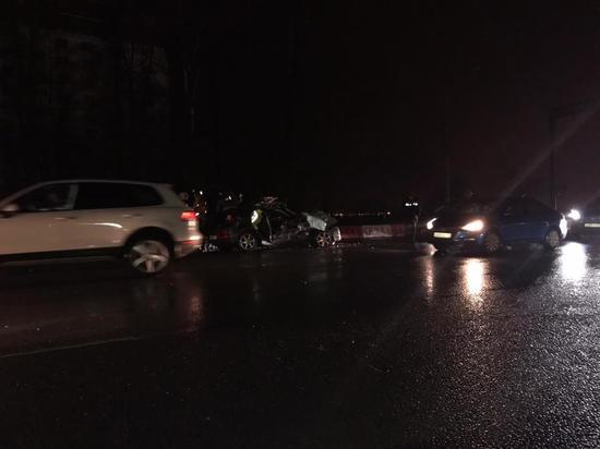 Два человека погибли в массовом ДТП под Петербургом