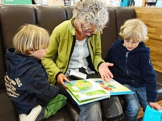 Бабушки-разбойницы: психологи разобрали проделки «непослушных» бабушек