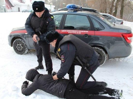 На Левом берегу в Архангельске гвардейцы гоняли мошенника