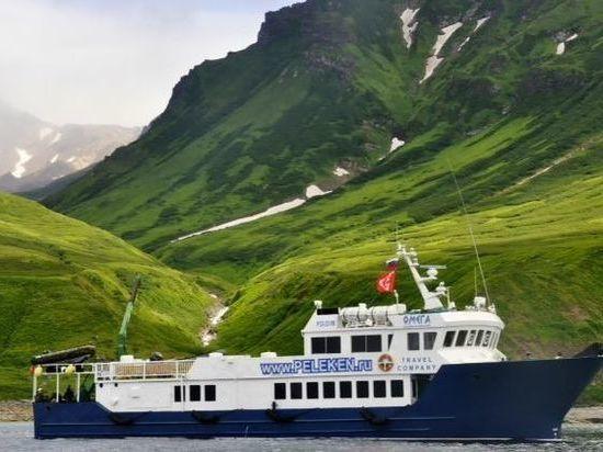 Камчатские пограничники не дали утонуть матросу прогулочного катера