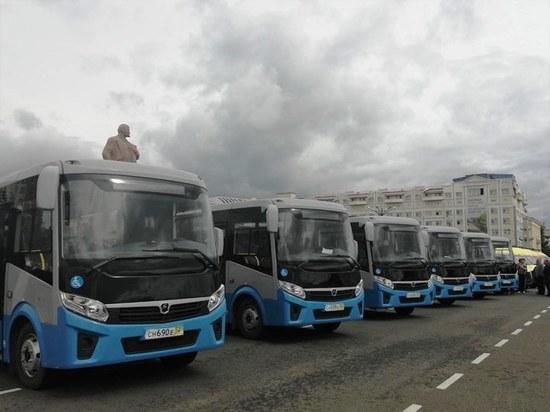 Маршрутчики Читы «пылесосят» пассажиров перед новыми автобусами