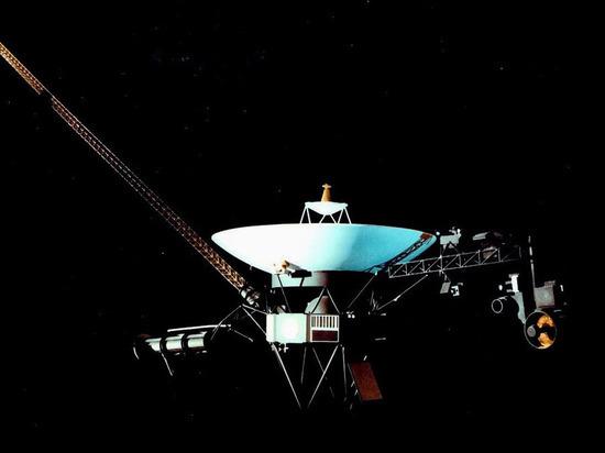"""Запущенный в 1977 году """"Вояджер-2"""" вошел в новую область космоса"""